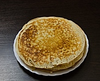 Pancake on large platter